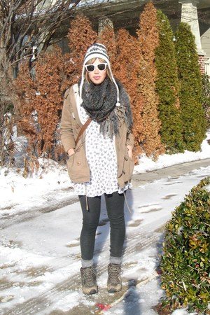 REI boots - my mothers vintage dress - peruvian hat - Yesstyle jacket - my grand
