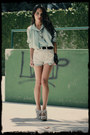 Chicwish-shirt-renner-shorts-zebra-schutz-heels