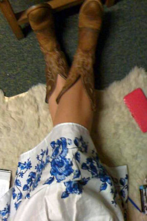 brown boots - white Croft&Barrow skirt
