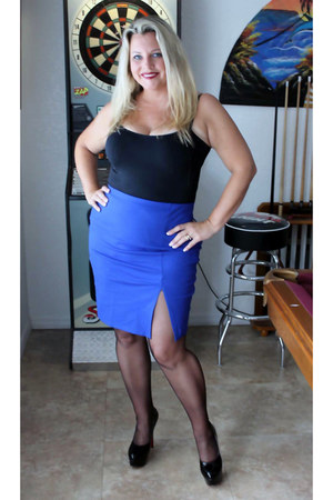 Nordstrom skirt - lycra low cut Forever 21 top