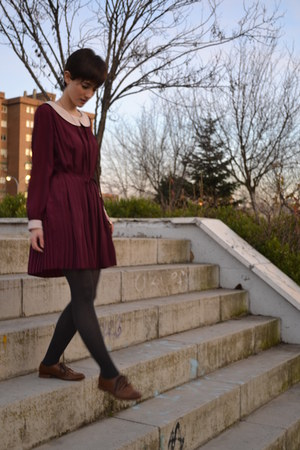 brown Stradivarius shoes - maroon kling dress - gray Massimo Dutti tights