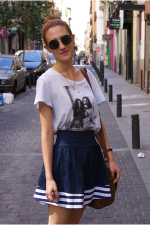 navy Local store skirt - H&M t-shirt