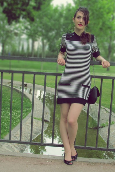 white Zara dress - black Lefties bag - black Mustang flats