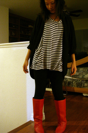 black Forever 21 cardigan - black Forever 21 leggings - red Buffalo Exchange boo
