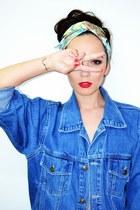 sky blue denim vintage jacket - yellow print H&M scarf