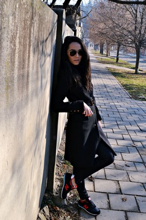 black Zara coat - black Zara jeans - black New Balance sneakers