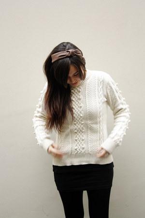 Xiomi sweater - asos boots - Caffarena tights - Zara accessories - H&M skirt