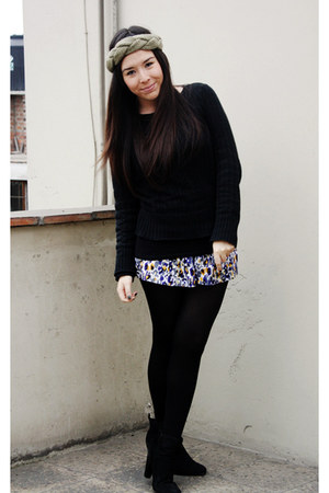 Xiomi top - axxs boots - vintage sweater - Caffarena tights - BLANCO shorts