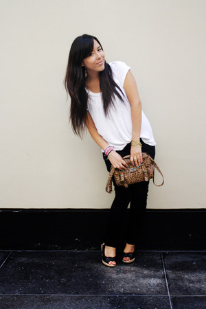 Hypnotic jeans - BLANCO bag - Oechsle wedges - H&M t-shirt