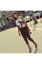 Lovers  Friends X Revolve Clothing t-shirt - leather pants - lace up pumps