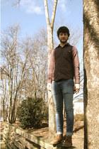 brown desert Clarks boots - navy super skinny Bullhead jeans
