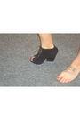 Black-dolce-vita-shoes