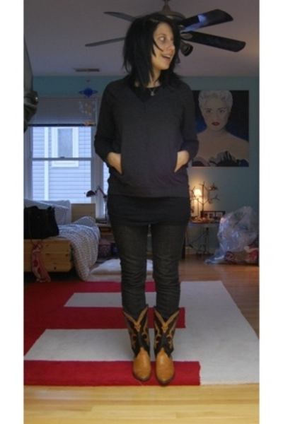madewell shirt - Target shirt - Levis jeans - Urban Outfitters boots