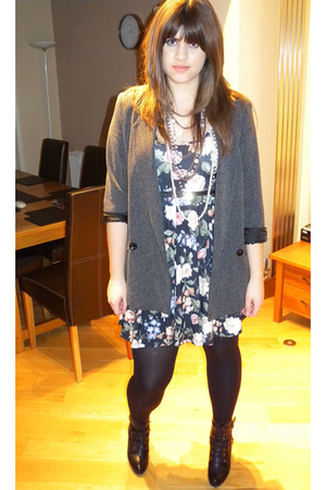 gray Miss Selfridge blazer - black Topshop dress - black Schuh boots