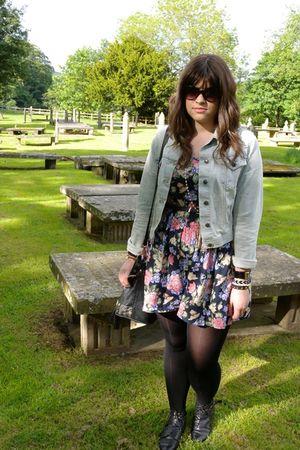 Topshop shorts - Topshop jacket - Urban Outfitters belt - Oasis sunglasses