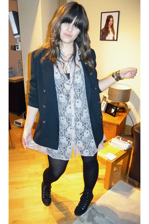 black vintage blazer - beige Topshop dress - black new look boots