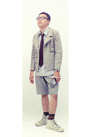unknown brand cardigan - nixon watch - Ray Ban glasses - Levis sneakers