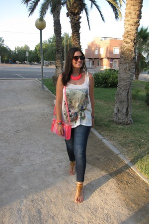 hot pink bag - blue Venca jeans - white Stradivarius top