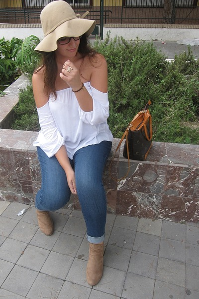camel H&M hat - tawny Pierre Cardin bag - white Stylove Clothing blouse