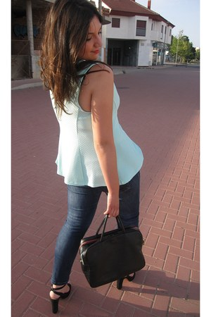 black Fun & Basics bag - navy Venca jeans - black Stradivarius sandals
