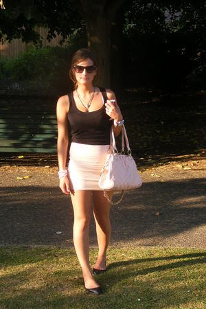 pink skirt - black blouse - black shoes