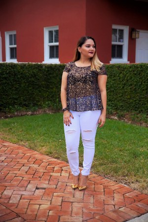 navy Alice Marie top - white New York & Company jeans