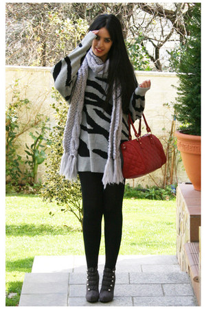 heather gray Inside shoes - silver Bershka sweater - black H&M tights