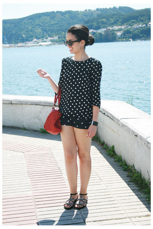 red BLANCO bag - black Zara shorts - black H&M sunglasses - black Zara sandals -
