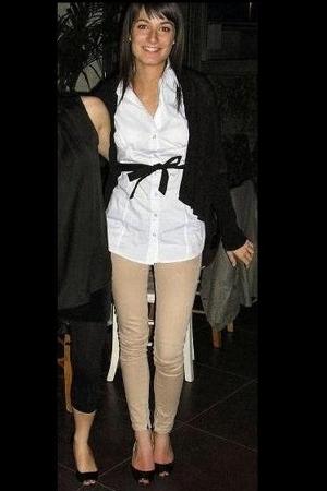 Bershka pants - Stradivarius shirt - unknown blazer - Guess shoes - Chanel earri
