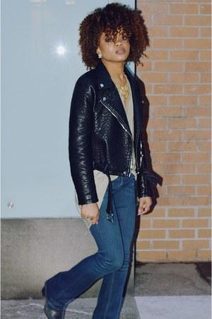 gold jenny bird Rocksbox necklace - navy baby bootcut KUT from the kloth jeans