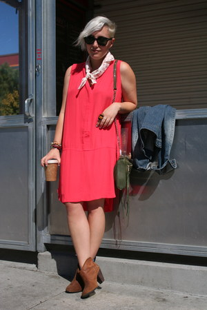 madewell dress - Report boots - rebec bag