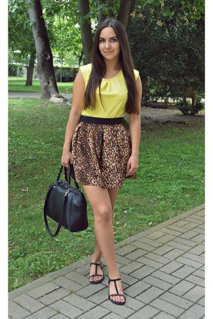 yellow top - black bag - tawny skirt - black sandals