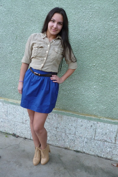 tan warehouse shirt - bronze random brand boots - blue Stradivarius skirt