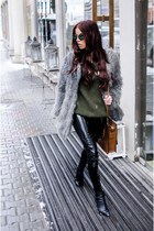 black wedge Choies boots - silver faux fur Wardrobe B jacket