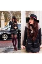 maroon Ana Morodan  Smiling Shoes boots - gray double vest Alexandra Tamas vest