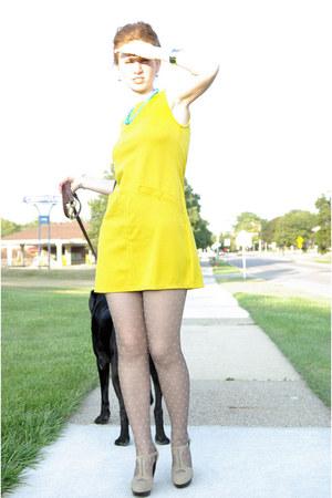 yellow shift asos dress - polka dot marilyn tights