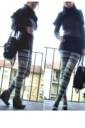 heather gray cable knit Juicy Couture sweater - heather gray marilyn leggings