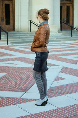 heather gray suede seychelles wedges - brown leather jacket