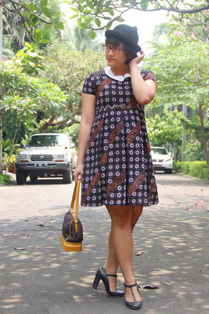 black kitty c&a hat - dark brown batik babydoll hand-me-down dress