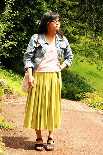 light blue denim vintage jacket - ivory weaved hand-me-down bag