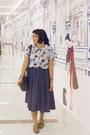 Light-blue-printed-book-of-deer-shirt-black-satchel-purse