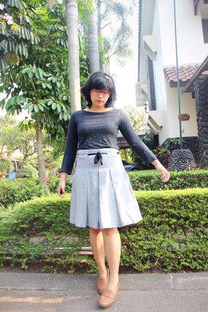 silver second hand skirt - bronze penny thrifted loafers - black Cotton Club top