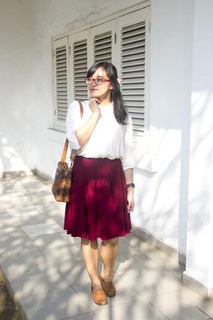 off white cotton hand-me-down shirt - dark brown shoulder hand-me-down purse
