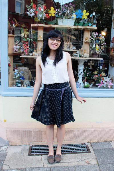 white thrifted H&M shirt - black polkadot thrifted skirt