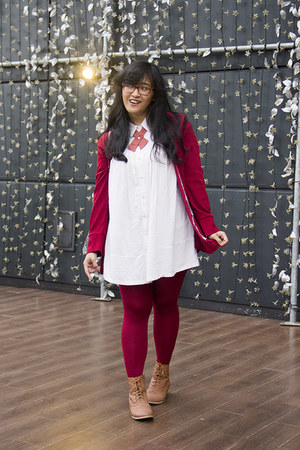 red velvet Secondhand jacket - bronze lace up boots