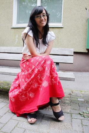 ruby red batik batik keris skirt - white Cotton Club top