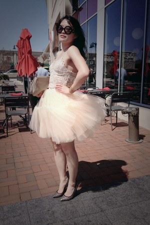 beige Zara blouse