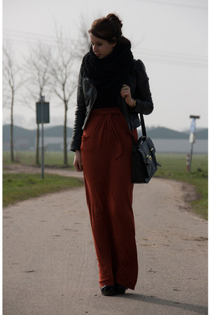 black H&M jacket - brick red Suzanne Dikker skirt