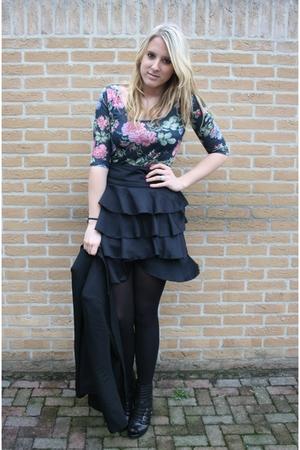 pink Primark shirt - black H&M skirt - black van haren boots - black Primark bla