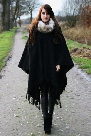 black H&M coat - black vintage pants - beige H&M scarf